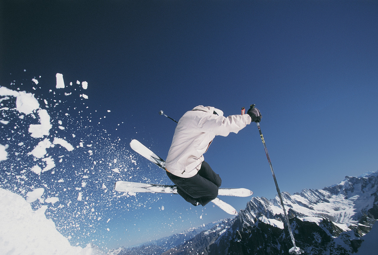 First Aid training for snowsports injuries